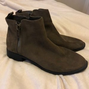 Forever 21 brown booties size 7 ✨